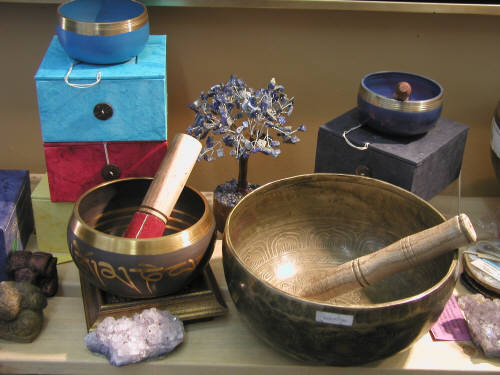 Artist:  Crystals & Decorator Pieces, Title: Singing Bowls, Sets, Mini, Handmade - click for larger image